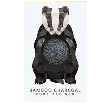 Gąbka Konjac Mini Borsuk z czarnym węglem bambusowym do cery tłustej i problematycznej